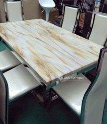 Table à manger en marbre