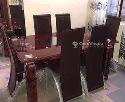 Table à manger 6 chaises