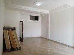 Location Boutique 40 m² - Cacaveli