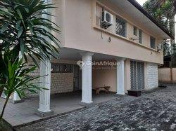 Location villa 8 pièces - Bonapriso