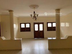 Location villa 5 pièces - Ngor