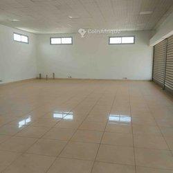 Location bureaux & commerces 145  - Cocody