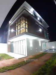 Vente Villa triplex 6 pièces - Agoe