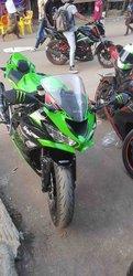 Moto Kawasaki ZRX 2020