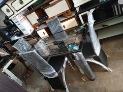Table à manger vitrée + 4 chaises