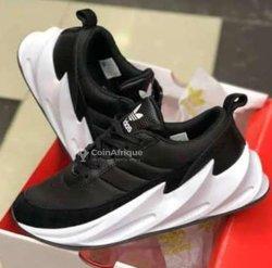Chaussures Adidas Chark