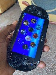 PS Vita + 12 Jeux