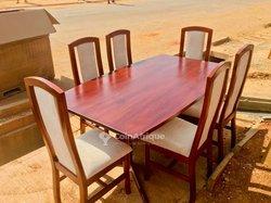 Table à manger 6 places en bois
