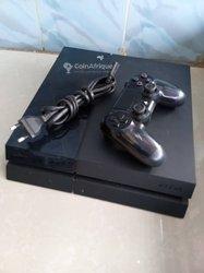 PlayStation 4 - 15 jeux - 2 manettes