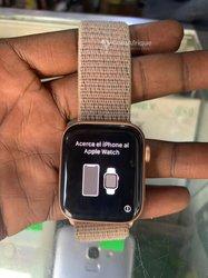 Apple watch série 5 - GPS cellulaire 40mm