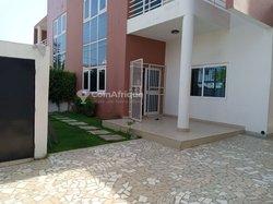 Location Villa triplex 7 pièces - Akpakpa PLM