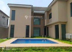 Vente Villa duplex 8 pièces - Cocody