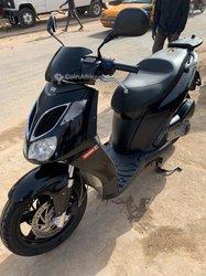 Scooter Aprilia Sport City 250 2015