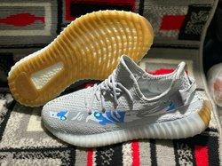 Baskets Adidas Yeezy Boost