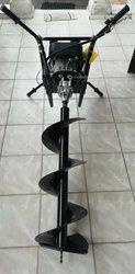 Tarière motorisé pour trouaison