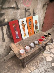 Tableau et tasses d'art