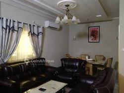 Location Appartement meublé 3 pièces - Leo 2000