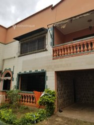 Vente Villa duplex - Bastos