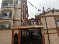 Vente immeuble R+3 - Cité des Palmiers Douala