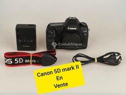 Appareil photo Canon 5D2 + chargeur + pochette