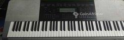 Piano Casio WK 220