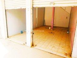 Location Magasin 120 m² - Parcelles Assainies