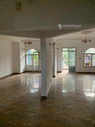 Location Appartement 3 Pièces - Yaoundé