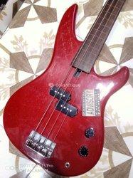 Guitare basse Fretless