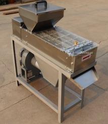 Machine  éplucheur d'arachides