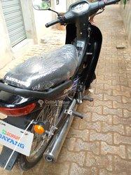 Moto Dayang noir