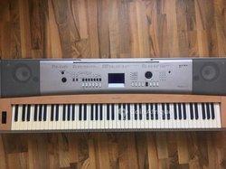 Piano Yamaha DGX-620