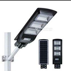Lampadaires solaires et projécteurs