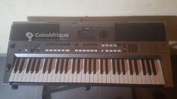 Piano Yamaha PSR e443