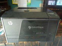 Imprimante HP laser jet Pro 200 M251n