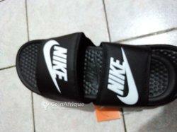 Sandales Nike Slides