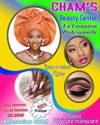 Formation professionnelle de makeup et de nouage de foulard