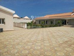 Location villa meublée 5 pièces   - Baguida