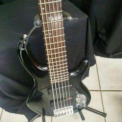 Guitare bass Cort