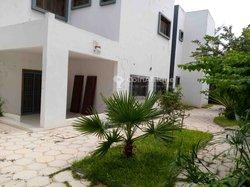 Location villa 07 pièces - Ouakam