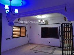 Location Appartement cour unique 4 pièces - Léo 2000