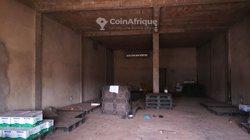 Location d'entrepôt ou boutique à  Agoe  Assiyeye