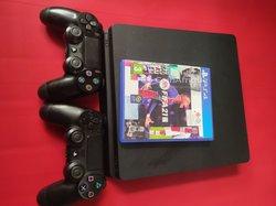 PS4 slim - 500 Go