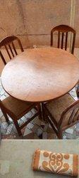 Table à manger 4 chaises