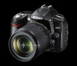 Appareil photo Nikon D90 avec objectif 18- 105