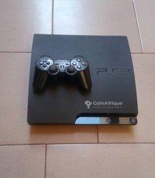 PlayStation 3 slim - 2 manettes - 8 jeux