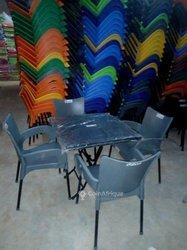 Complet de chaise avec table