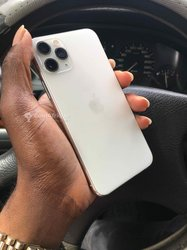 iPhone 11 Pro - 64 Go