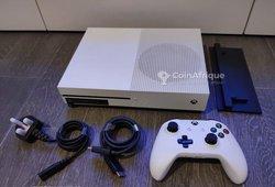 Xbox one s 4k + 4 jeux