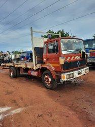 Camion à remorque 6 roues