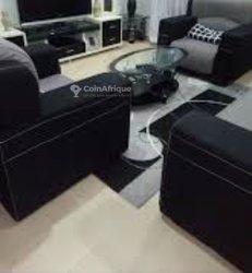 Salon complet et écran led à vendre